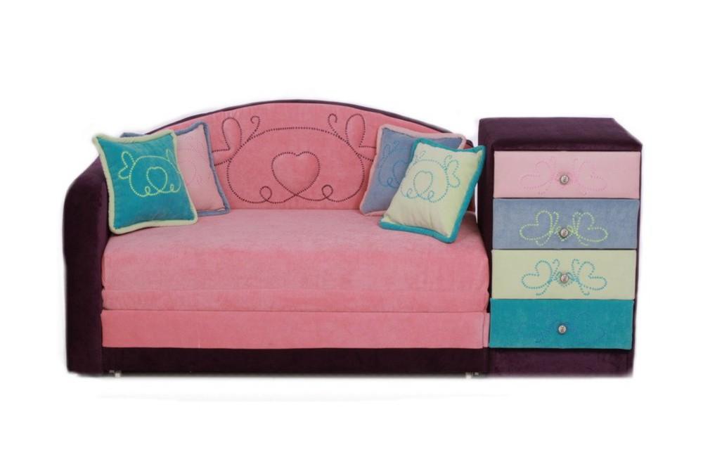 Детский диван Майя-3Детские диваны<br>Размер: 182х80 (сп. м. 120х195)<br><br>Механизм: Выкатной<br>Каркас: Деревянный<br>Полный размер: 182х80<br>Спальное место: 120х195<br>Наполнитель: ППУ высокой плотности (пенополиуретан)<br>Комплектация: Ящик для белья, декоративные подушки<br>Ткань: По фото: коллекция - Velvet Lux<br>Дополнительные опции: Диван для детей от 3-12 лет<br>Изготовление и доставка: 8-10 дней<br>Условия доставки: Бесплатная по Москве до подъезда<br>Условие оплаты: Оплата наличными при получении товара<br>Подъем на грузовом лифте: 500 руб.<br>Подъем без лифта: 250 руб./этаж включая первый<br>Сборка: 700 руб.<br>Гарантия: 12 месяцев<br>Производство: Россия<br>Производитель: Mebelus