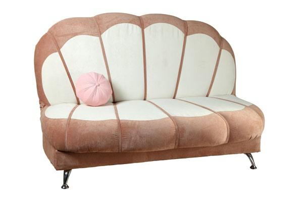 Детский диван ЖемчужинаДетские диваны<br>Размер: 142х100 В106 (сп.м. 142х164)<br><br>Механизм: Книжка<br>Каркас: Деревянный<br>Полный размер: 142х100 В106<br>Спальное место: 142х164<br>Высота сиденья (см): 42<br>Наполнитель: ППУ высокой плотности (Пенополиуретан)<br>Комплектация: Ящик для белья, декоративная подушка<br>Ткань: Образец по фото в ткани Velvet Lux (велюр, пост-к Союз-М) наличие и стоимость уточняйте у менеджера<br>Примечание: Стоимость указана по минимальной категории ткани<br>Изготовление и доставка: 8-10 дней<br>Условия доставки: Бесплатная по Москве до подъезда<br>Условие оплаты: Оплата наличными при получении товара<br>Подъем на грузовом лифте: 500 руб.<br>Подъем без лифта: 250 руб./этаж включая первый<br>Сборка: 200 руб. в день доставки, заказать сборку Вы можете, если у Вас оформлена услуга подъем/занос изделия в помещение<br>Гарантия: 12 месяцев<br>Производство: Россия<br>Производитель: Mebelus