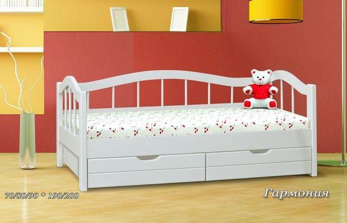 Кровать детская ГармонияДетские кровати<br>Размер: 70/80/90х190х200<br><br>Материалы: Массив Сосны, Бука, Дуба<br>Полный размер (ДхГхВ): 70х190х200<br>Доступны другие размеры: 70/80/90х190х200<br>Примечание: Доставляется в разобранном виде<br>Изготовление и доставка: 15-20 дней, дни доставок среда и суббота<br>Условия доставки: Бесплатная по Москве до подъезда<br>Условие оплаты: Оплата наличными при получении товара<br>Доставка по МО (за пределами МКАД): 30 руб./км<br>Доставка в пределах ТТК: Доставка в центр Москвы осуществляется ночью, с 22.00 до 6.00 утра<br>Подъем на грузовом лифте: 500 руб.<br>Подъем без лифта: 250 руб./этаж включая первый<br>Сборка: 10% от стоимости изделия<br>Гарантия: 12 месяцев<br>Производство: Россия<br>Производитель: Альянс XXI век