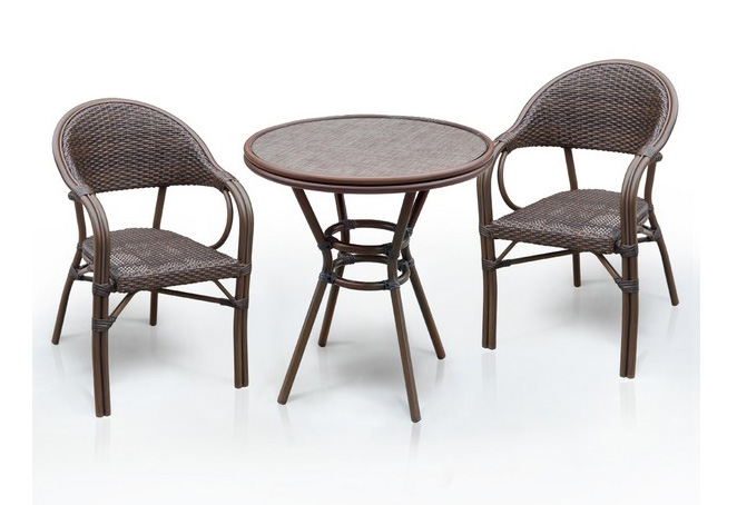 Комплект мебели из искусственного ротанга 2+1 А1007-D2003SRПлетеная мебель из искусственного ротанга<br>Стол: D70 В74, кресло: 56х62 В84<br><br>Артикул: А1007-D2003SR<br>Материалы: Стекло закаленное - 5 мм, столешница текстилен 4х4<br>Каркас: Алюминий D28х1,3 мм с полимерным покрытием.<br>Полный размер: Стол: D70 В74, кресло: 56х62 В84<br>Комплектация: 1 стол, 2 кресла<br>Цвет: Brown<br>Изготовление и доставка: 2-3 дня<br>Условия доставки: Бесплатная по Москве до подъезда<br>Условие оплаты: Оплата наличными при получении товара<br>Производство: Китай<br>Производитель: Афина Мебель