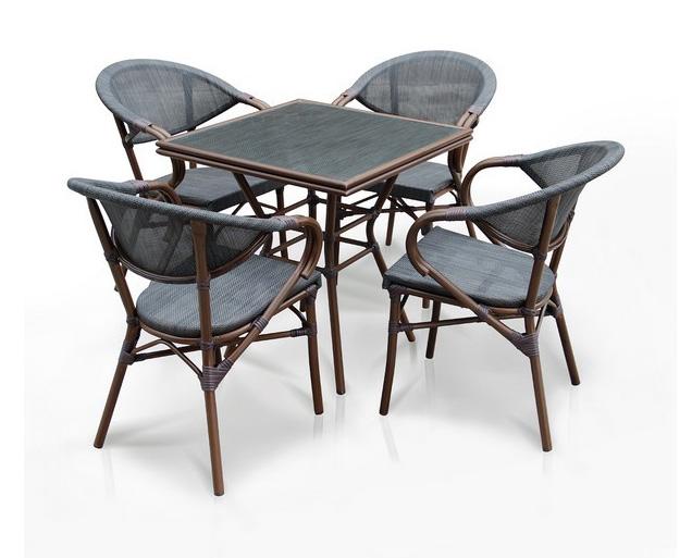 Комплект мебели из искусственного ротанга 4+1 А1016- D2003SПлетеная мебель из искусственного ротанга<br>Стол: 70x70 В74, кресло: 56х62 В82<br><br>Артикул: А1016- D2003S<br>Материалы: Стекло закаленное - 5 мм, столешница текстилен 4х4<br>Каркас: Алюминий D28х1,5 мм с полимерным покрытием<br>Полный размер: Стол: 70x70 В74, кресло: 56х62 В82<br>Комплектация: 1 стол, 4 кресла<br>Цвет: Brown<br>Изготовление и доставка: 2-3 дня<br>Условия доставки: Бесплатная по Москве до подъезда<br>Условие оплаты: Оплата наличными при получении товара<br>Производство: Китай<br>Производитель: Афина Мебель