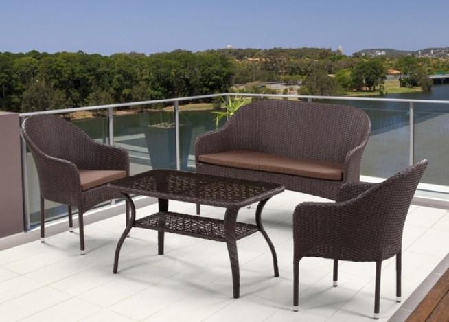 Комплект мебели из искусственного ротанга 2+1+1 S20B-2 S20B-1 ST20BПлетеная мебель из искусственного ротанга<br>Диван: 128x62 В86 см, кресло: 58x63 В86, стол: 98x58 В55<br><br>Артикул: S20B-2 S20B-1 ST20B<br>Материалы: Искусственный ротанг, стекло закаленное 5 мм<br>Каркас: Сталь<br>Полный размер: Диван: 128x62 В86 см, кресло: 58x63 В86, стол: 98x58 В55<br>Комплектация: 1 стол, 1 диван, 2 кресла, подушки для сидения<br>Цвет: Brown<br>Изготовление и доставка: 2-3 дня<br>Условия доставки: Бесплатная по Москве до подъезда<br>Условие оплаты: Оплата наличными при получении товара<br>Производство: Китай<br>Производитель: Афина Мебель