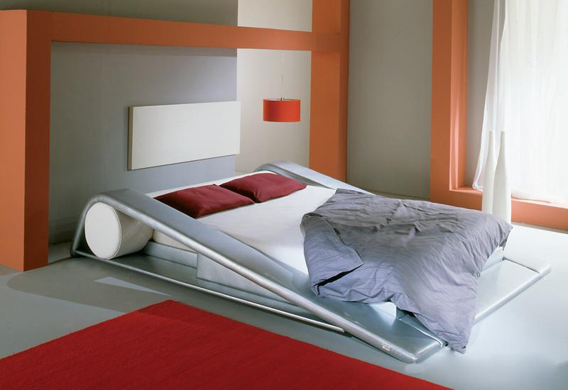 Интерьерная кровать Европа