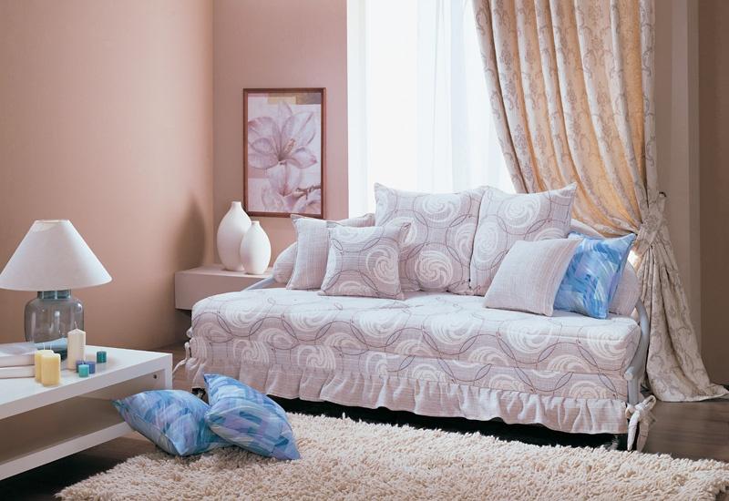 Круглая кровать ОмегаКровати<br>Размер: 200х115 В70 (сп. м. диам. 200)<br><br>Механизм: Выкатной<br>Каркас: Металлический<br>Полный размер: 200х115 В70<br>Спальное место: Диаметр: 200<br>Высота сиденья (см): 44-45, в разложенном состоянии 30-31<br>Наполнитель: ППУ высокой плотности, Ортопедическое основание<br>Комплектация: Декоративные подушки<br>Дополнительные опции: Спальное место в технической ткани, возможно заказать из основной ткани, стоимость уточняйте у менеджера<br>Примечание: Стоимость указана по минимальной категории ткани. Мебель может быть изготовлена в двух исполнениях: СТАНДАТ и ЛЮКС<br>Изготовление и доставка: 5-14 рабочих дней, в зависимости от обивки<br>Условия доставки: Бесплатная по Москве до подъезда<br>Условие оплаты: Оплата наличными при получении товара<br>Доставка по МО (за пределами МКАД): 40 руб./км<br>Доставка в пределах ТТК: Доставка в центр Москвы осуществляется ночью, с 22.00 до 6.00 утра<br>Подъем на грузовом лифте: 1800-2100 руб.<br>Подъем без лифта: На первый этаж 1350-1800 руб., выше 1050 руб./этаж<br>Сборка: 600 руб.<br>Гарантия: 12 месяцев<br>Производство: Россия<br>Производитель: Фиеста