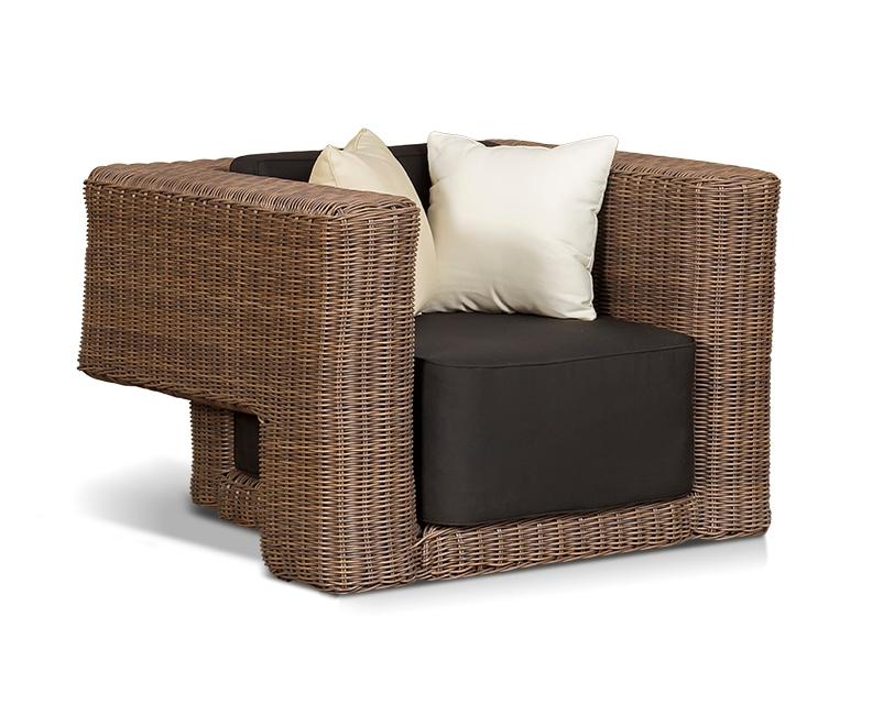 Плетеное кресло ГранадаПлетеная мебель из искусственного ротанга<br><br><br>Артикул: 200323<br>Материалы: Искусственный ротанг<br>Каркас: Алюминиевый<br>Полный размер (ДхГхВ): 107х96 В72<br>Комплектация: Кресло, подушки со съемными чехлами<br>Цвет: Коричневый<br>Изготовление и доставка: 2-3 дня<br>Условия доставки: Бесплатная по Москве до подъезда<br>Условие оплаты: Оплата наличными при получении товара<br>Производство: Китай<br>Производитель: 4sis