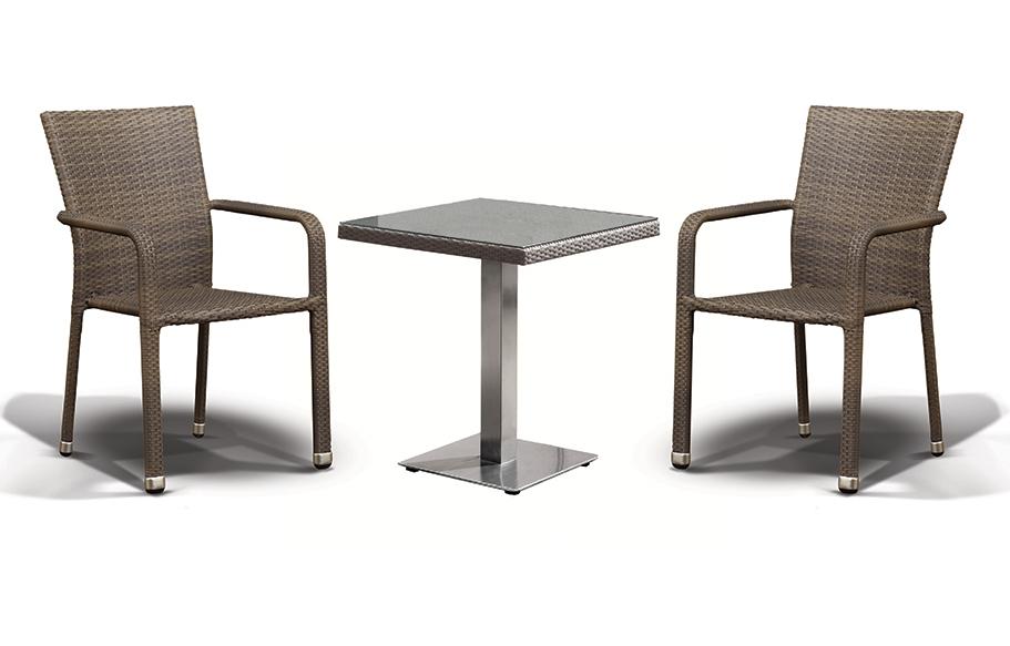 Комплект мебели АчианоПлетеная мебель из искусственного ротанга<br>Размер: Стол: 70х70 В75, стул: 57х61 В89<br><br>Материалы: Искусственный ротанг, стекло закаленное<br>Каркас: Алюминий<br>Полный размер (ДхГхВ): Стол: 70х70 В75, стул: 57х61 В89<br>Комплектация: Стол, стул - 2 шт<br>Цвет: Серо-коричневый<br>Изготовление и доставка: 2-3 дня<br>Условия доставки: Бесплатная по Москве до подъезда<br>Условие оплаты: Оплата наличными при получении товара<br>Производство: Китай<br>Производитель: 4sis