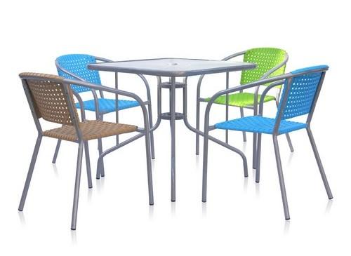 Комплект садовой мебели XRB-035 А/D/С-D80x80Металлическая мебель<br>Размер: Стол 80x80 В70; Стул 54x58 В75<br><br>Артикул: XRB-035 А/D/С-D80x80<br>Материалы: Пластик, стекло - закаленное 5 мм<br>Каркас: Стол: Труба - сталь D25 с полимерным покрытием; Стул: Труба - сталь D25 с полимерным покрытием<br>Полный размер: Стол 80x80 В70; Стул 54x58 В75<br>Комплектация: Стол, 4 стула<br>Цвет: Стол: Серебристый металик<br>Примечание: Стол имеет отверстие для зонта<br>Изготовление и доставка: 2-3 дня<br>Условия доставки: Бесплатная по Москве до подъезда<br>Условие оплаты: Оплата наличными при получении товара<br>Производитель: Афина Мебель