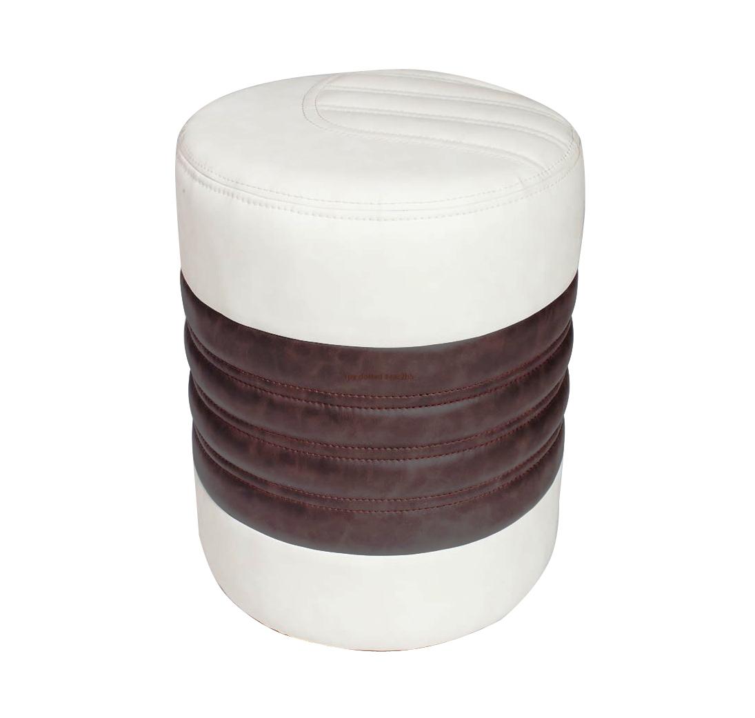 Пуф ЧикагоПуфики<br>Размер: 37х47<br><br>Каркас: Деревянный<br>Полный размер: 37х47х47<br>Наполнитель: ППУ высокой плотности (Пенополиуретан)<br>Ткань: Образец по фото в иск. коже Antik White / Antik Brown (пост-а Андрия) наличие и стоимость уточняйте у менеджера<br>Примечание: Стоимость указана по минимальной категории ткани<br>Важно: За нестандартный крой (отличный от фото) - плюс 5% к стоимости изделия. Заказы с нестандартным кроем принимаются только после согласования с менеджером!<br>Изготовление и доставка: 18 рабочих дней, дни доставок среда и суббота<br>Условия доставки: Бесплатная по Москве до подъезда<br>Условие оплаты: Оплата наличными при получении товара<br>Доставка по МО (за пределами МКАД): 30 руб./км<br>Доставка в пределах ТТК: Доставка в центр Москвы осуществляется ночью, с 22.00 до 6.00 утра<br>Подъем на лифте: 300 руб<br>Подъем без лифта: 150 руб/этаж<br>Гарантия: 12 месяцев<br>Производство: Россия<br>Производитель: 7 Карета