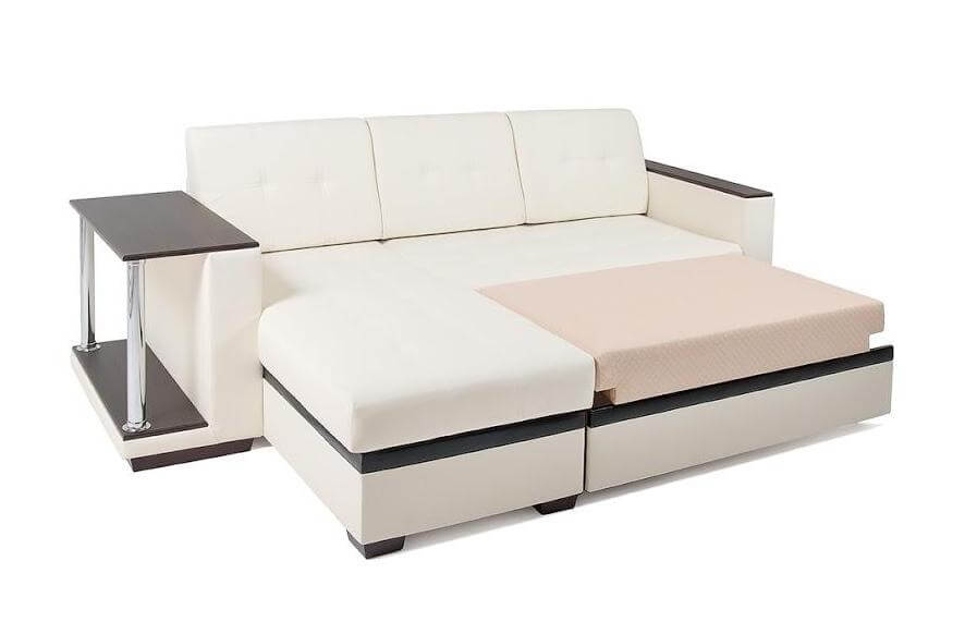 Угловой диван со столиком